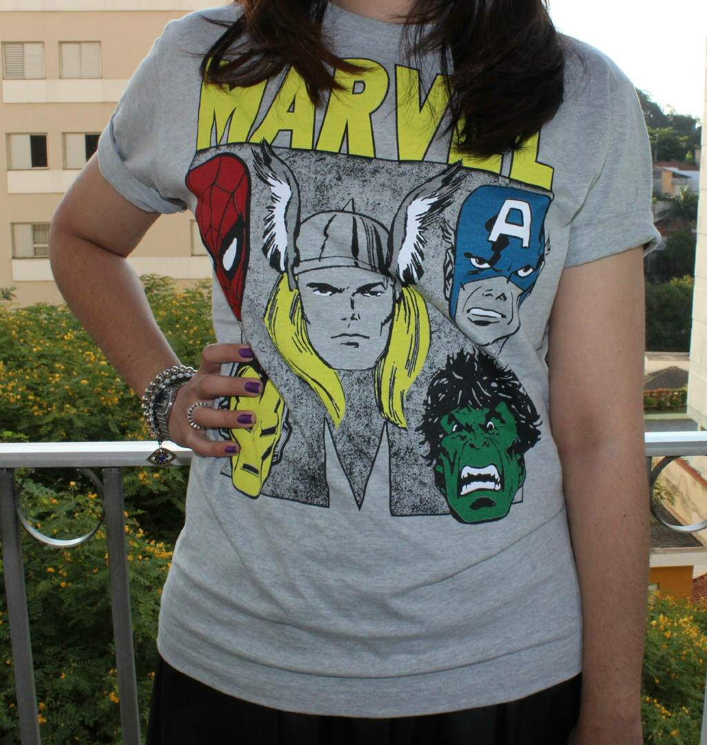 Look do dia_camiseta marvel_vingadores_saia de couro_blog el ropero_juliana sena_5