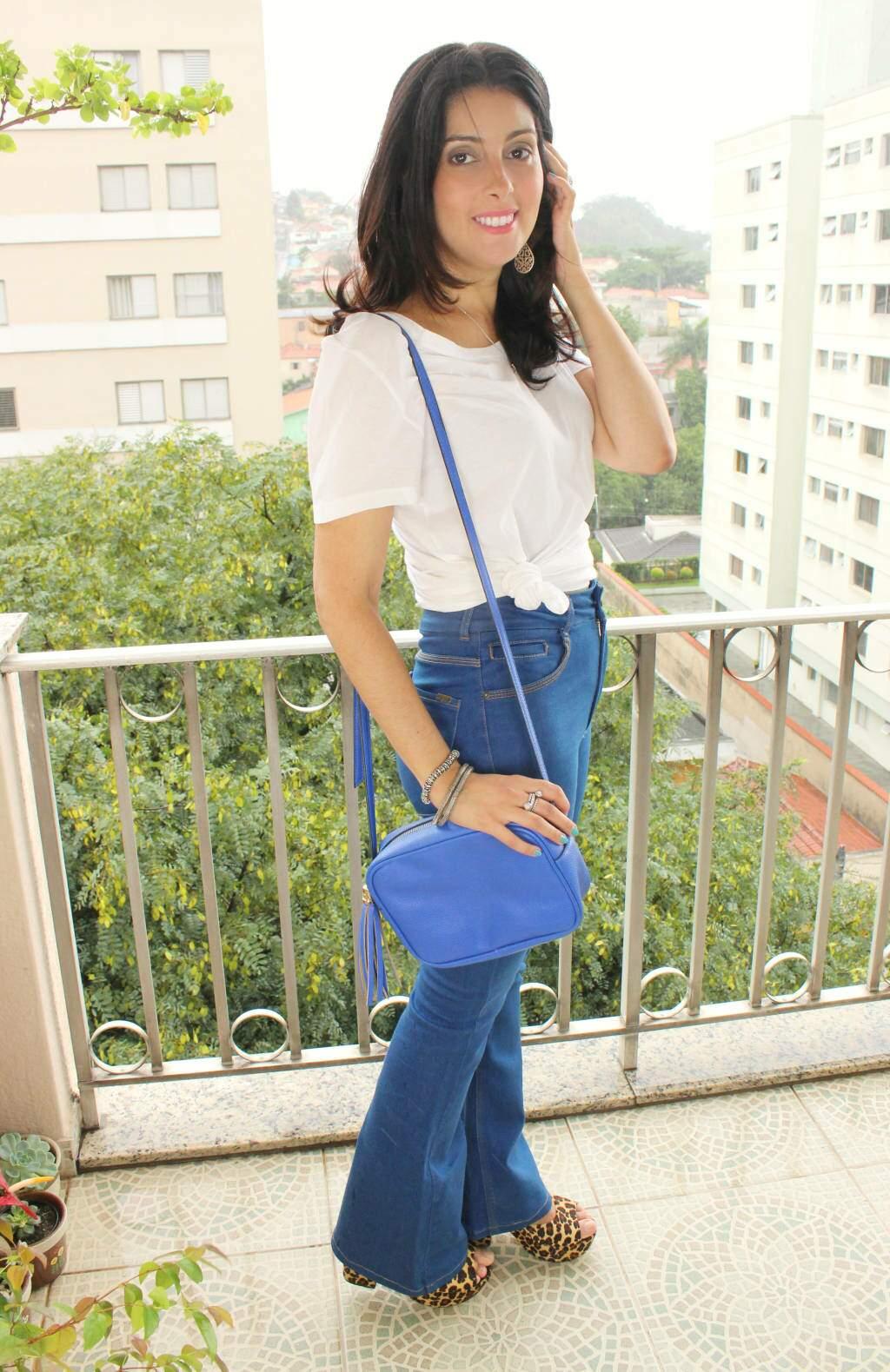 Look_calça jeans cintura alta-camiseta branca_blog el ropero