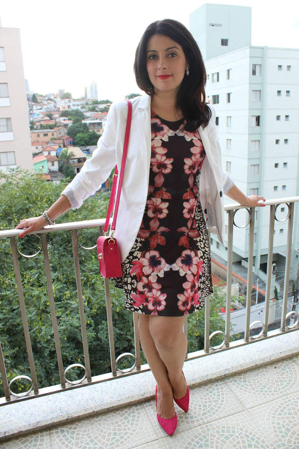 Look do dia_vestido estmapado_blazer branco_blog elropero